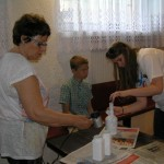 Kuba najmłodszy uczestnik warsztatów sztuki użytkowej